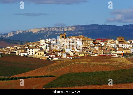 Landscape along the Camino de Santiago with mountains and village, Sierra de Santiago de Loquiz, Cirauqui, Navarra, - Stock Photo