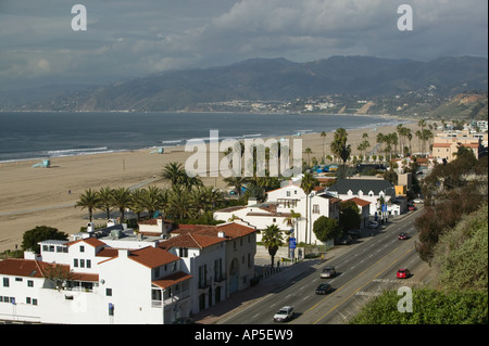 USA, California, Los Angeles, Santa Monica: Santa Monica State Beach Park, Beach houses along Rt. 1 - Stock Photo