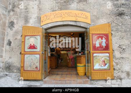 Brightly painted shop Les Baux de Provence selling souvenirs in village of Les Baux de Provence  September 2006 - Stock Photo