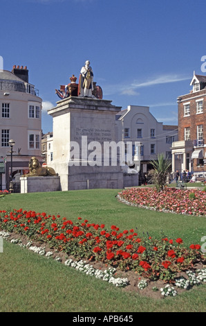 Weymouth floral display of summer bedding plants with statue of King George third 3 - Stock Photo