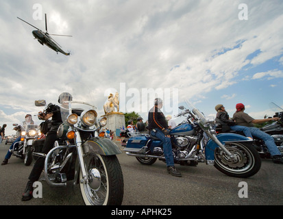 Arlington Memorial Bridge: Marine One helicopter flies over the annual Rolling Thunder Rally on Memorial Day in - Stock Photo