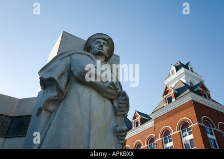 ILLINOIS Oregon Lorado Taft soldier monument statue Ogle County courthouse National Register Historic Places spire small town
