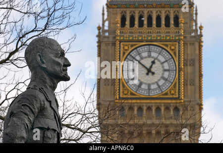 Statue of Jan Christian Smuts at Westminster London England - Stock Photo
