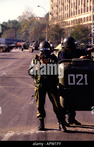 Russian Soldiers, loyal to the Yeltsin government, outside of the Russian White House during the 1993 Anti-Yeltsin - Stock Photo