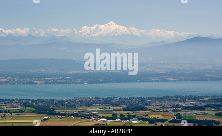 Mont Blanc as seen across lake geneve. - Stock Photo