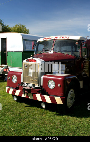 224 DUL  A  1962 Scammell Highwayman Tractor - Stock Photo