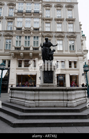 graben brunnen fountain graben vienna stock photo royalty free image 15974115 alamy. Black Bedroom Furniture Sets. Home Design Ideas