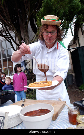 Hugh Fearnley Whittingstall making waffles - Stock Photo