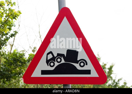 Caution risk of grounding ahead road sign - Stock Photo