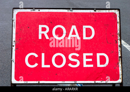 Road closed road sign - Stock Photo