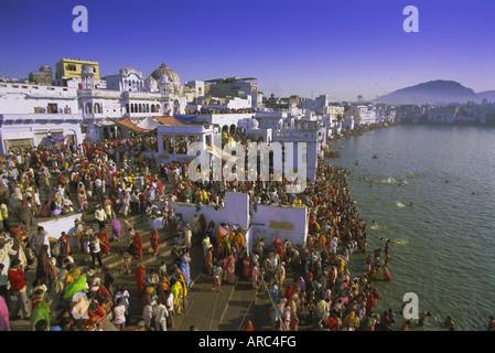Pilgrims at the annual Hindu pilgrimage to holy Pushkar Lake, Pushkar, Rajasthan State, India, Asia - Stock Photo