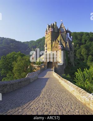 Burg Eltz, near Cochem, Rhineland (Rhineland-Palatinate) (Rheinland-Pfalz), Germany, Europe - Stock Photo
