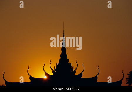 Sunset, roof of the National Museum, Phnom Penh, Cambodia, Indochina, Asia - Stock Photo
