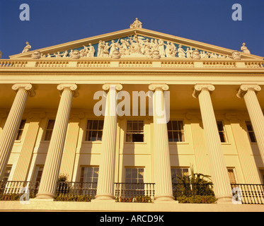 Cumberland Terrace, designed by John Nash in the 19th century, Regent's Park, London, England, UK - Stock Photo