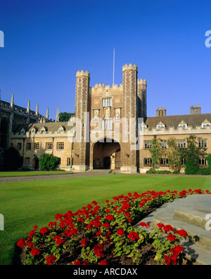 The Great Court, view to the Great Gate, Trinity College, Cambridge, Cambridgeshire, England, UK - Stock Photo