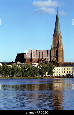 Schwerin, Dom, Blick über den Pfaffenteich - Stock Photo