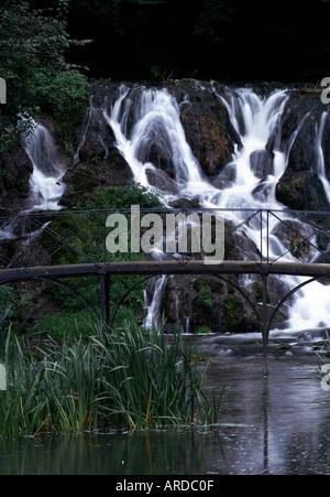 Blenheim Palace, Landschaftsgarten, Künstlicher Wasserfall - Stock Photo
