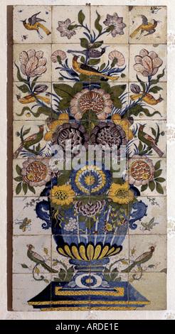 Delft, Museum Lambert van Merten, Fayance, Blumen, ca 1710-1749 - Stock Photo