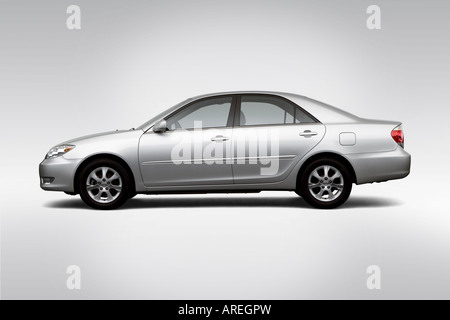 2006 toyota camry xle v6 in gray gear shifter center console stock photo royalty free image. Black Bedroom Furniture Sets. Home Design Ideas