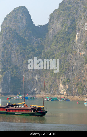 Chinese junk on Halong Bay in Vietnam. - Stock Photo