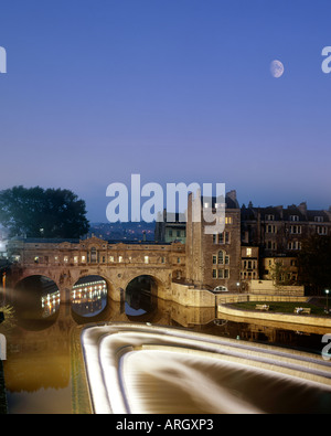 GB - SOMERSET:  Historic Pulteney Bridge at City of Bath - Stock Photo