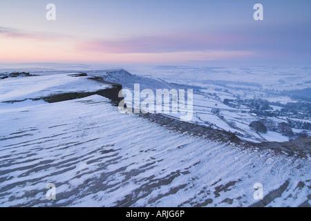 Snow at dawn, Froggatt Edge, Peak District, Derbyshire, England, UK - Stock Photo
