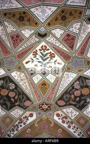 Pietra dura craftsmanship on the interior ceiling of the Itmad-ud-daulah, Agra, Uttar Pradesh, India - Stock Photo