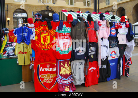 Clothing stall, Hay's Galleria Arcade, South Bank, Southwark, London, England, United Kingdom - Stock Photo
