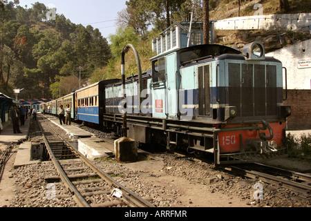 India Himachal Pradesh transport Shimla to Kalka narrow gauge railway Barog Station - Stock Photo