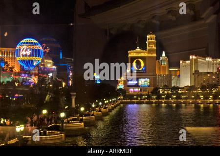 Bellagio Pond, on the Las Vegas strip - Stock Photo