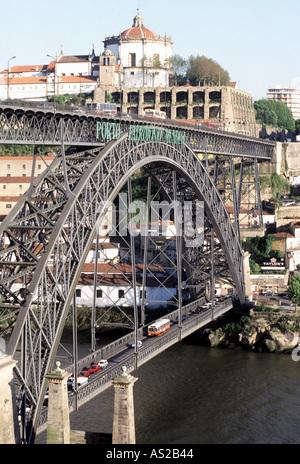 Porto, Brücke über den Duoro, Konstrukteur: Gustave Eiffel - Stock Photo