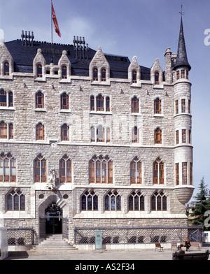 Leon, Casa de los Botines, Antonio Gaudi - Stock Photo