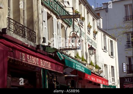 Place du Tertre street scene Paris France - Stock Photo