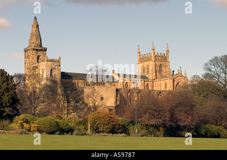 dh Dunfermline Abbey DUNFERMLINE FIFE Palace and Andrew Carnegies Pittencrieff Park gardens