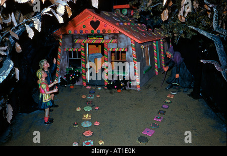 Hansel and Gretel tableau at Rock City Gardens, Lookout Mountain, Tennessee, c. 1955 - Stock Photo