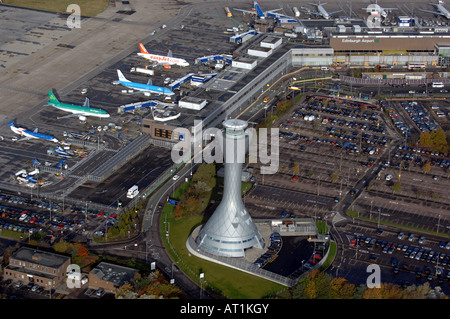 aerial view of parking and runway of the international airport of sao stock photo 97952718 alamy. Black Bedroom Furniture Sets. Home Design Ideas