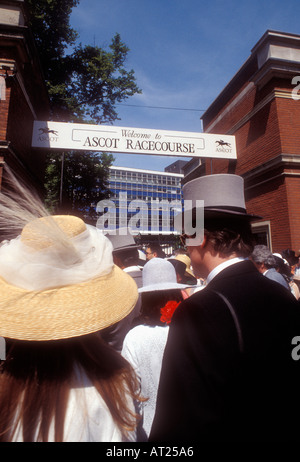 VINTAGE ASCOT RACES Ladies Day 1993 Historic archive fashion and style image of traditional Ladies Day entrance - Stock Photo