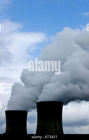 France drome tricastin nuclear power plant smoking chimneys - Stock Photo