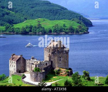 GB - SCOTLAND:  Eilean Donan Castle in the Highlands - Stock Photo