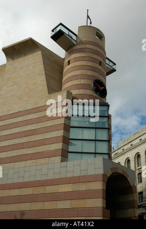 Modern office and retail building at Number One Poultry in the City of London - Stock Photo