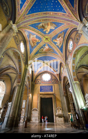 Celing and main nave of Santa Maria Sopra Minerva Basilica, Rome - Stock Photo