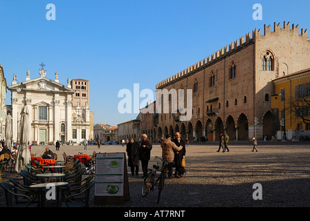Mantua Piazza Sordello and Ducal palace - Stock Photo