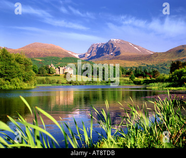 GB - SCOTLAND:  Inverlochy Castle & Ben Nevis - Stock Photo