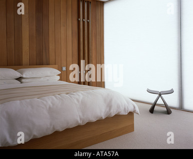 Space House, East Grinstead, West Sussex, 1963-64. Refurbished by Lee Fitzgerald Architects in 2003. Bedroom. - Stock Photo