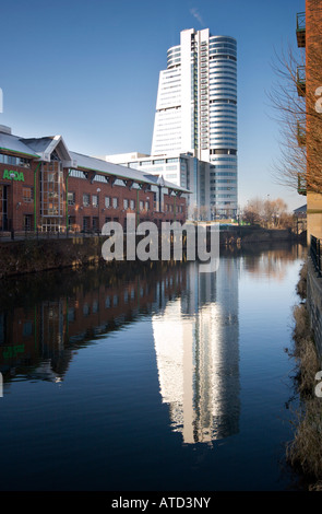 Bridgewater Place Reflected in Canal, Leeds, England, UK - Stock Photo