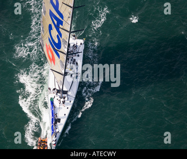 ICAP Leopard yacht in the Solent. After finishing the JP Morgan Asset Management Round the Island Race, 2007. - Stock Photo