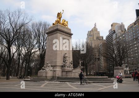 On the southwest corner of Manhattan's Central Park, a monument recalls the battleship Maine that sank in Havana - Stock Photo