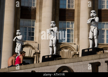 Star Wars storm troopers on the roof of the London Aquarium - Stock Photo