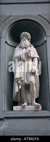Statue of Leonardo da Vinci Galleria degli Uffizi Florence Tuscany Italy Europe - Stock Photo