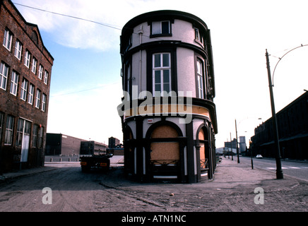 Abandoned pub in 1970s Liverpool docklands before redevelopment - Stock Photo